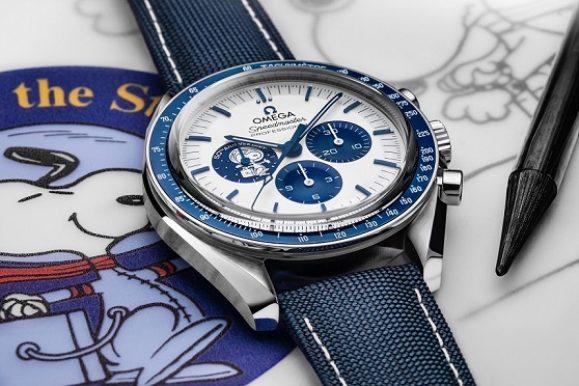 A 50 anni dal premio della Nasa, Omega lancia lo Speedmaster Silver Snoopy Award | LE FOTO