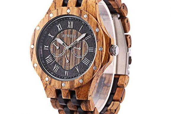 Orologio in legno: la nuova moda corre su internet