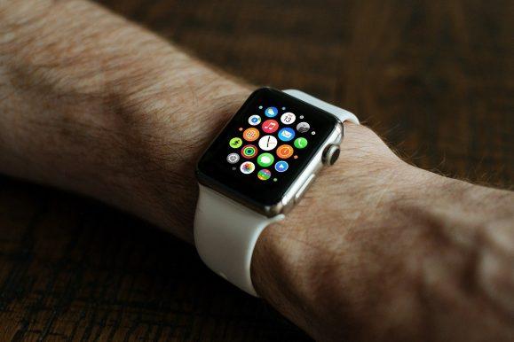Clamoroso: nel 2019 venduti più Apple Watch che orologi svizzeri