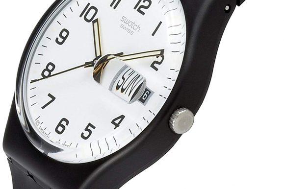 Un superclassico degli orologi in plastica: lo Swatch GB 743
